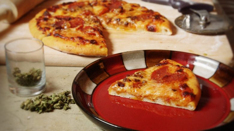 "In Massachussetts un dispensario medico vende la ""Pizza alla Cannabis"" per i suoi pazienti"