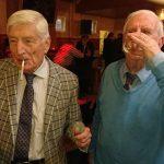L'ex primo ministro olandese, che avviò le politiche di tolleranza nel 1976, fuma la sua prima canna all'età di 86 anni