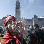 Alcune Università Canadesi permetteranno di usare Cannabis agli Studenti
